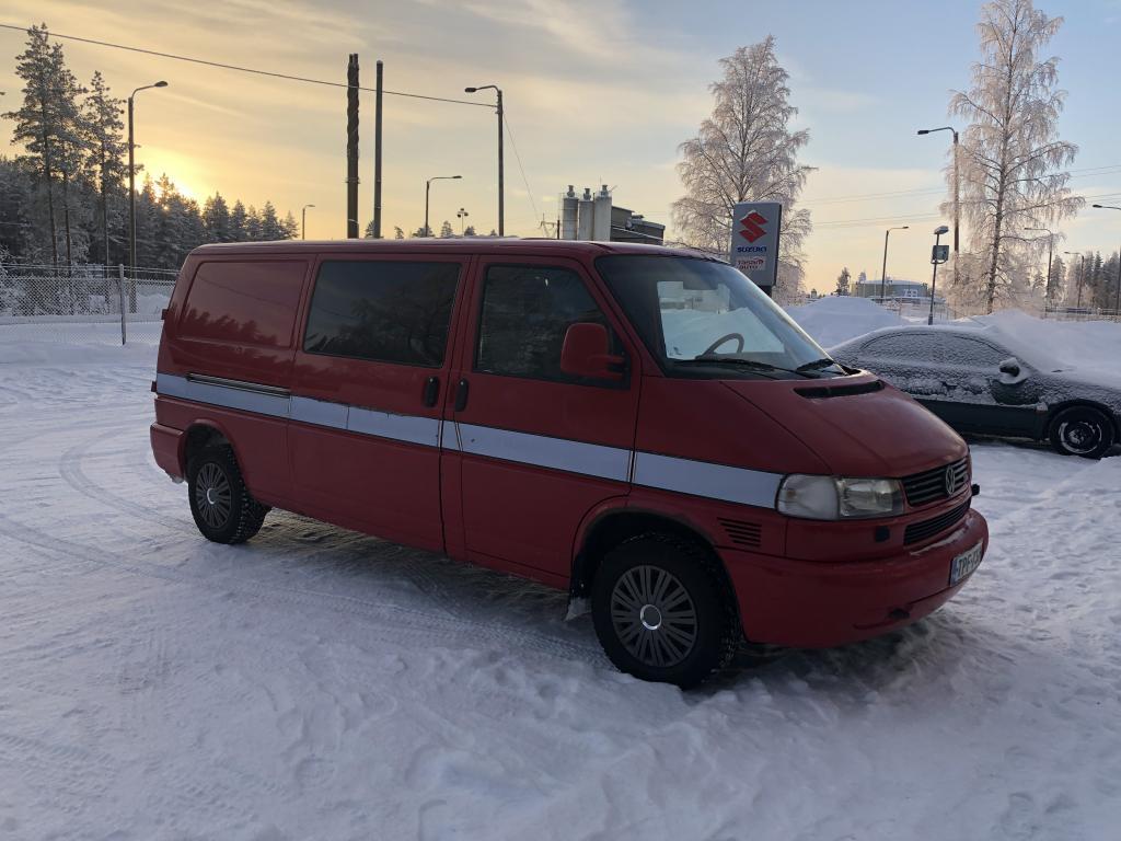 Volkswagen Transporter 2.5 TDI 75kw Pitkä