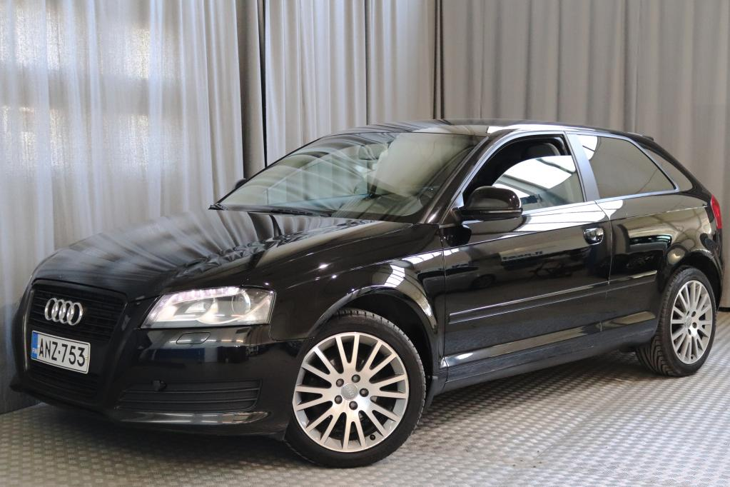 Audi A3 Compact Coupe Attraction 1, 4 TFSI 92 kW Start-Stop Black Edition