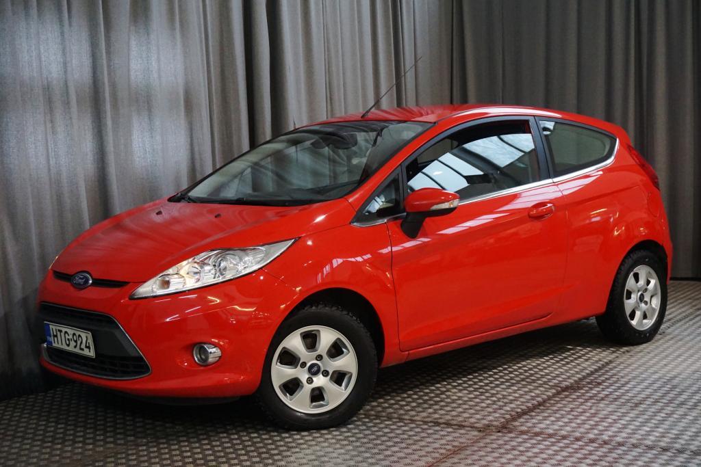 Ford Fiesta 1, 6 TDCi 90 hv Titanium M5 3-ovinen,  TALOUDELLINEN!