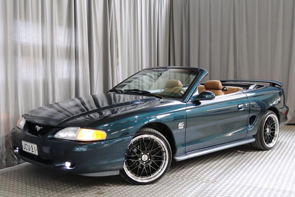 Ford Mustang 5.0 GT Convertible,  SIISTIKUNTOINEN!