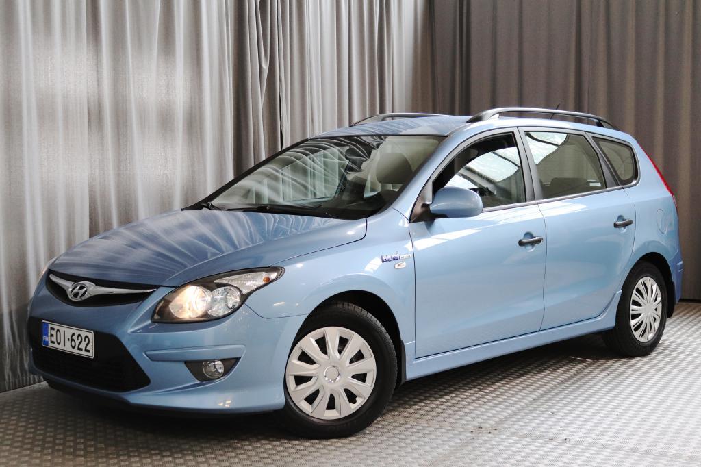 Hyundai i30 Wagon 1, 4 CVVT 5MT ISG Air,  VÄHÄN AJETTU!