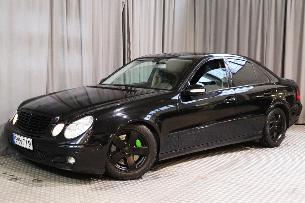 Mercedes-Benz E 200 Kompressor Sport A,  HYVÄT VARUSTEET!