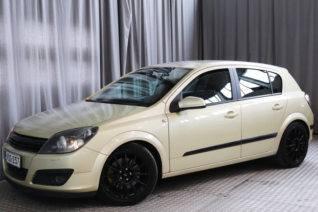 Opel Astra 2, 0 Turbo Sport 5d,  VOIMAA ON N.300HV!