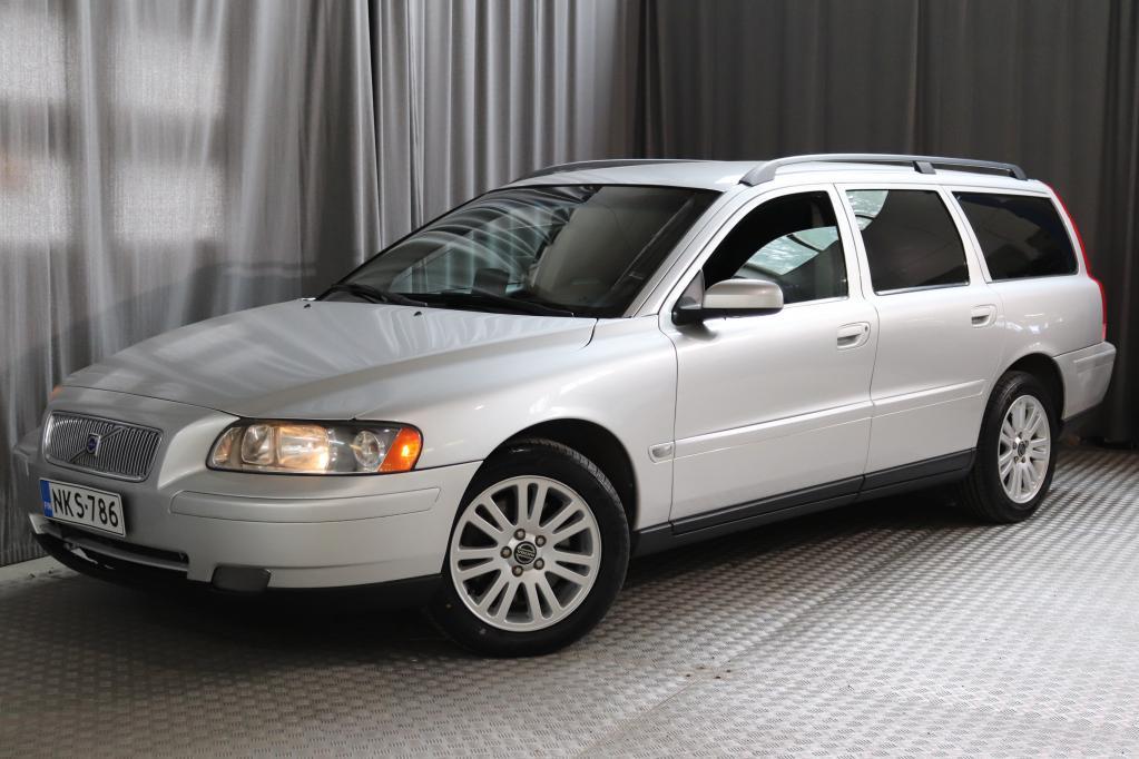 Volvo V70 2, 4D AWD Kinetic AT,  TILAVA NELIVETO-AUTOMAATTI!