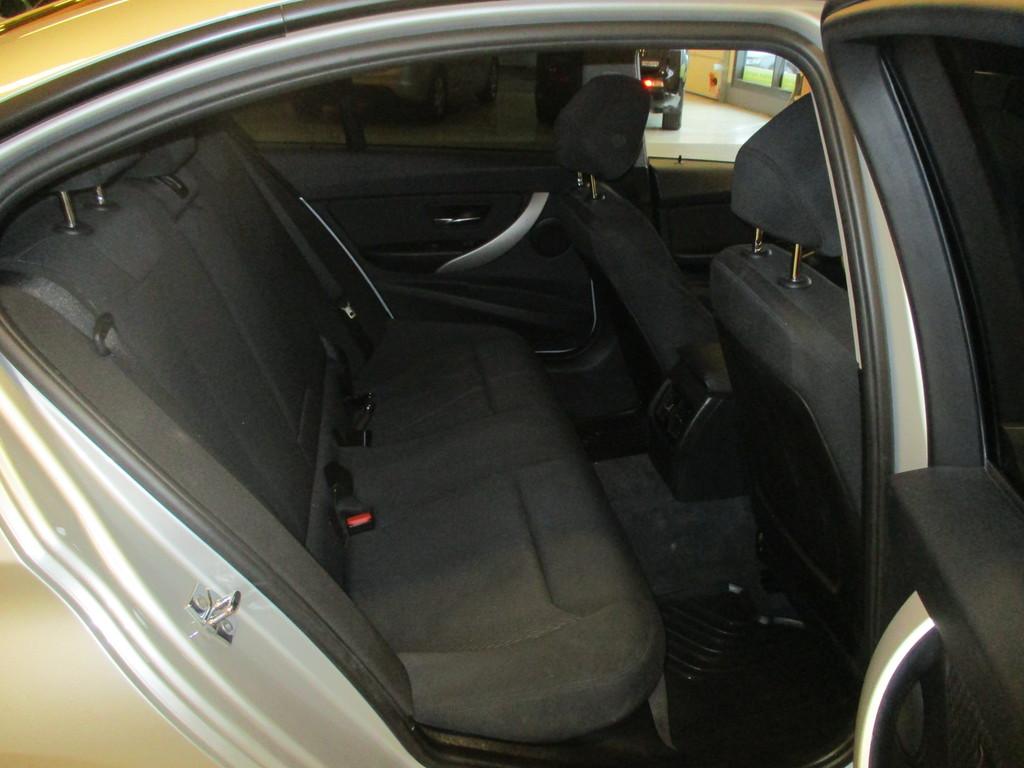 BMW 320, D Twin power Turbo Efficient Dynamics Edition A F30 Sedan Business